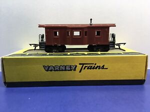 HO-Scale-Unmarked-Undecorated-Bay-Window-Freight-Train-Caboose-Varney-Brand