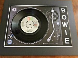 David-Bowie-Let-039-s-Dance-Genuine-7-034-Single-Mounted-on-Record-Player-Print