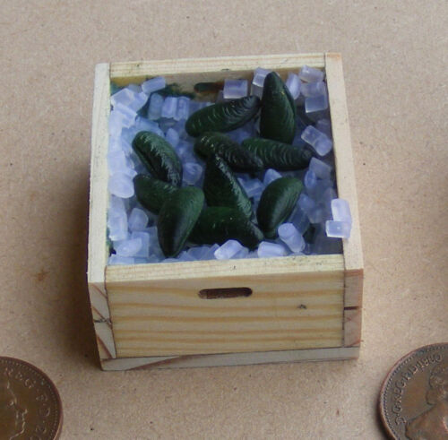 1:12 Scale 10 Loose Mussels And Ice In A Wooden Crate Dolls House Food Accessory