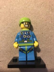 lego figurine minifigurine en série parachutiste série 10 71001