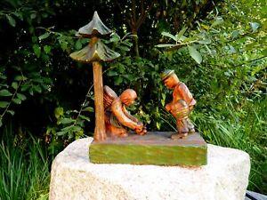 Fabulous-Wooden-Figure-Solid-Wood-Pilzsammler-Wood-Carving-Kunstlerarbeit