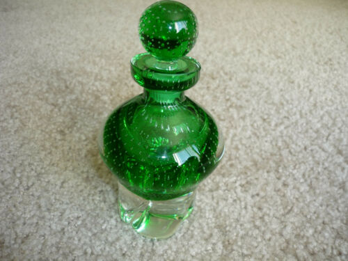 GREEN ART GLASS DECANTER WITH STOPPER/ BEAUTIFUL
