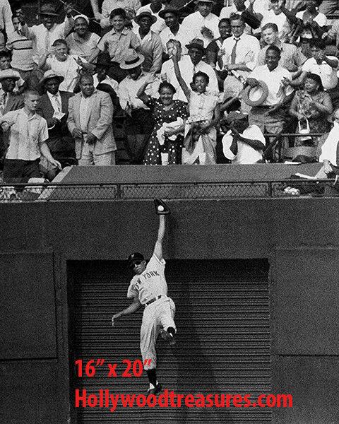 "NY Giants~Photo~Willie Mays~Poster~16"" x 20"""