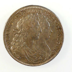 1689-England-OFFICIAL-CORONATION-MEDAL-OF-WILLIAM-AND-MARY
