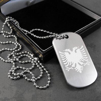Colgante en una caja de regalo Albanesa Eagle Bandera Dog Tag