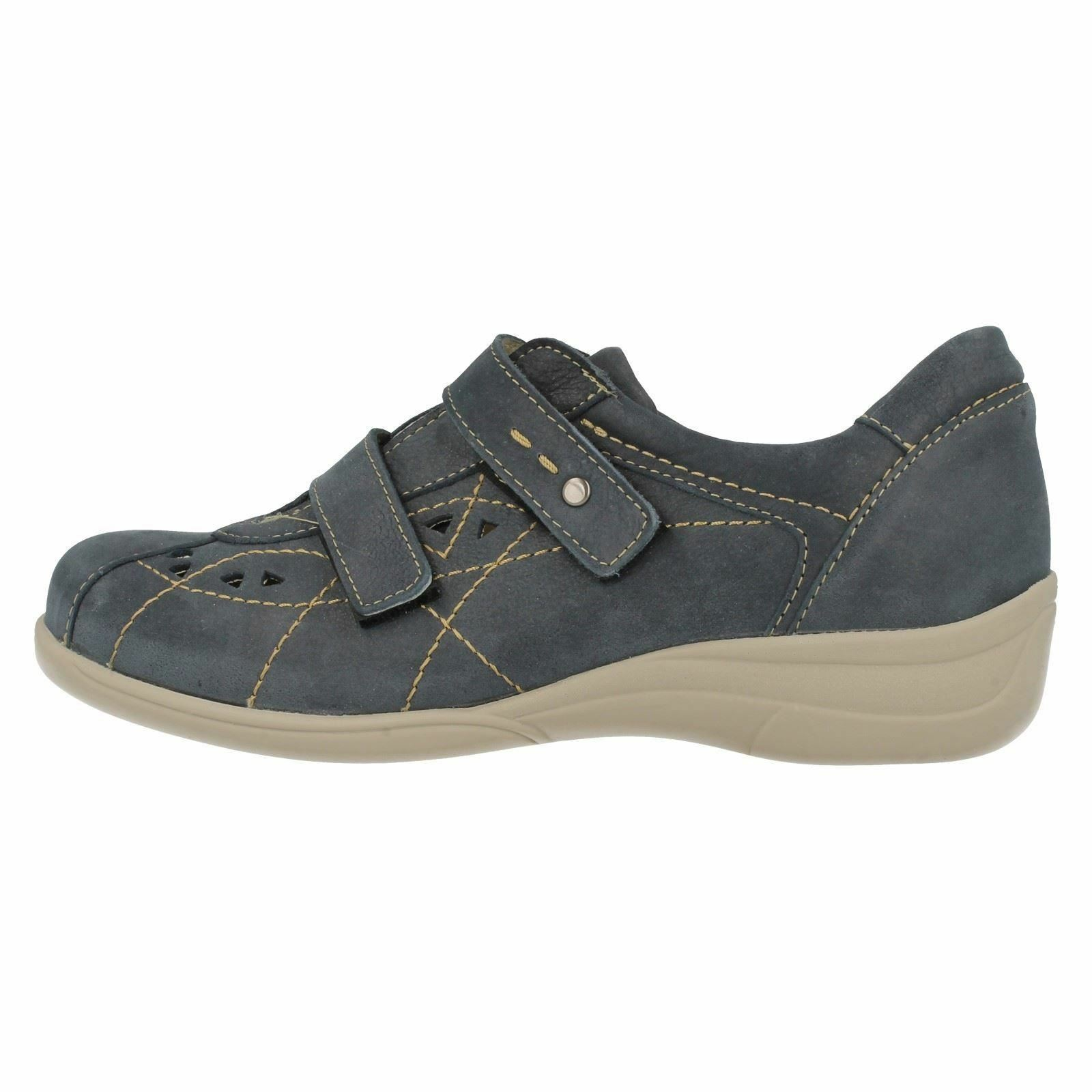 Easy B B B by DB Cynthia Ladies Navy Air Cooled Wide Fit Leather shoes E-3E, V fit a3d550