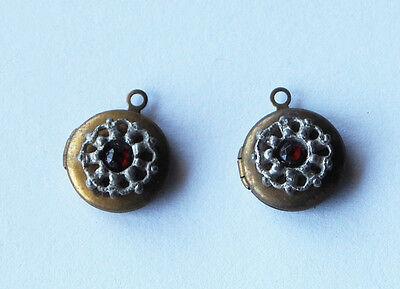 VINTAGE 2 OLD BRASS HEART LOCKET PENDANTS RUBY RED GLASS • 13mm