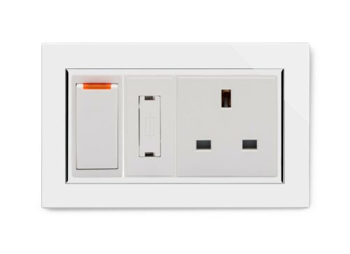 Retrotouch Switched Fused éperon avec 13 A Interrupteur Prise Ct Blanc 01102