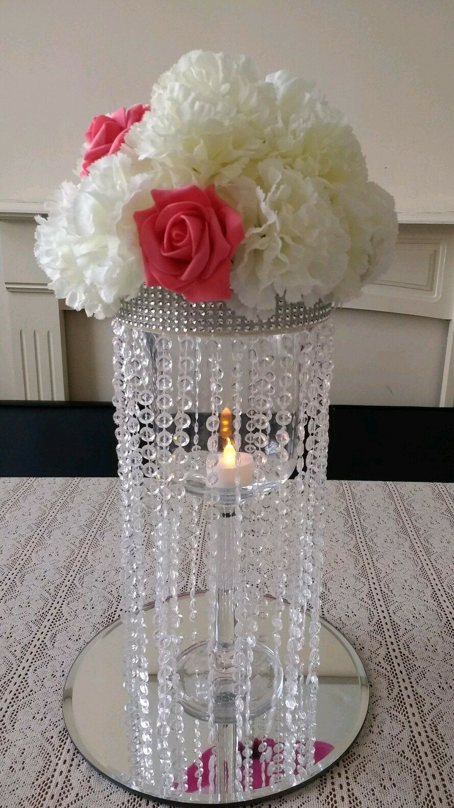 5 Used Chandelier Centrepiece Weiß and Coral Flower for Sale. Great Condition.