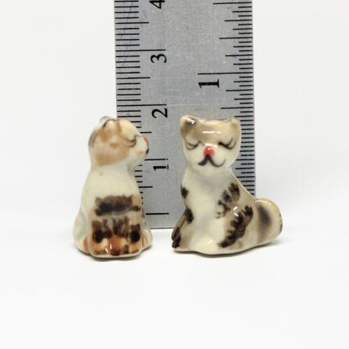 Dollhouse Miniature Animals Ceramic 2 pcs Sit Cat Ceramic Hand painted