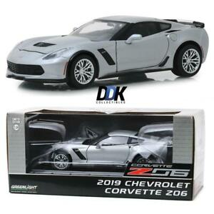 GREENLIGHT-18256-2019-Chevrolet-Corvette-Z06-Silver-Metallic-Diecast-Car-1-24
