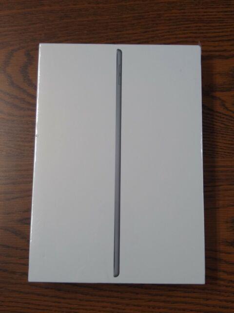 Apple iPad Air (3rd Generation) 64GB, Wi-Fi, 10.5in MUUJ2LL/A - Space Gray