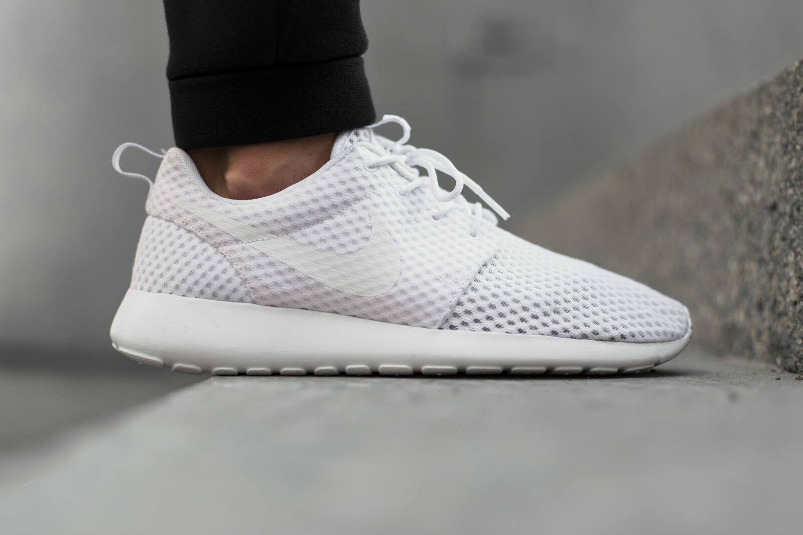 Nike Roshe White Run Breeze Triple White Roshe f24f39