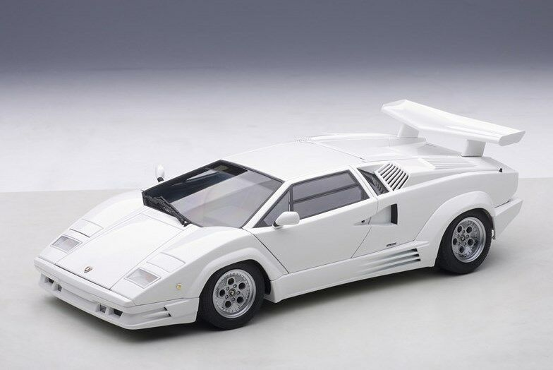7537 bilAR1 18 Lamborghini Countakh 25Th Annivaversary vit