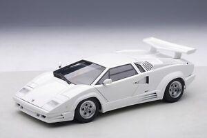74537-AUTOart-1-18-Lamborghini-Countach-25Th-Anniversary-White