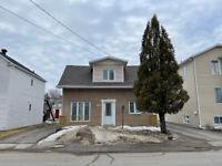 Maison à vendre 3911, rue Angers, Jonquière Saguenay Saguenay-Lac-Saint-Jean Preview
