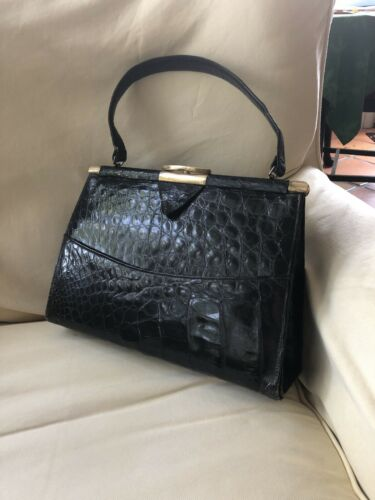 GORGEOUS VINTAGE GENUINE BLACK ALLIGATOR VASSAR FR