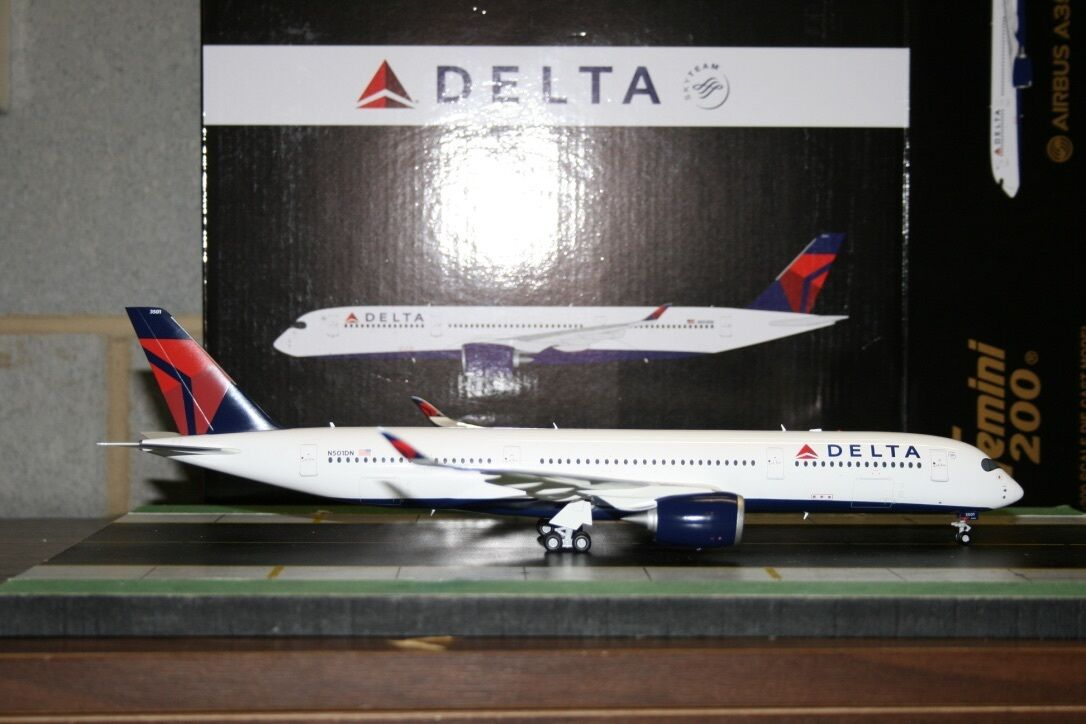 Gemini Jets 1 200 Delta Airlines Airbus A350-900 N501DN (G2DAL637) Model Plane
