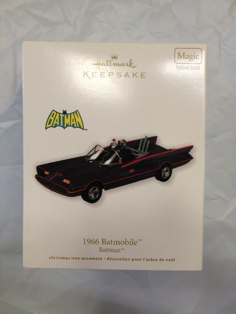 Hallmark Keepsake Magic Ornament  The 1966 Batmobile  Mint Perfect 2011 XMAS