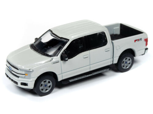 Auto World New Premium /'18 Ford F-150 Lariat Version B 1:64th Scale Diecast Cars