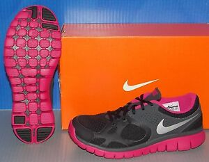 WMNS NIKE FLEX 2012 RN in colors BLACK / SILVER / FRESHBERRY / ANTHRACITE SIZE 6