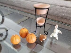 VTG-Dollhouse-Miniatures-Terra-cotta-Planter-Pumpins-Cat-Bunny-Pet-Flower-Pot