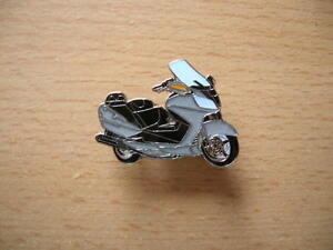 Pin-Suzuki-Burgman-AN-650-AN650-silber-Motorrad-Roller-Scooter-Moto-Art-0871