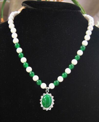 "100/% Naturel 8 mm blanc coquille perle /& vert émeraude Collier Pendentif 18/"" AAA"