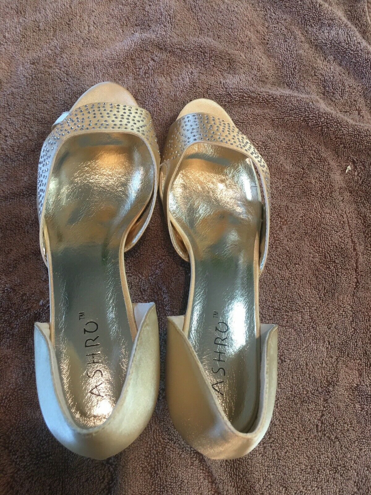 New Beautiful women soft gold pumps with Rhinestones On The Top,size10M,by Astro