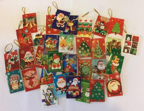 32 Noël Paillettes Cadeau étiquettes cadeaux emballage 35 x 50 mm Santa Arbre Bonhomme de neige