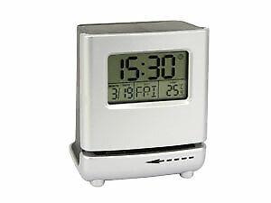 Uhr mit elektrischem Brieföffner