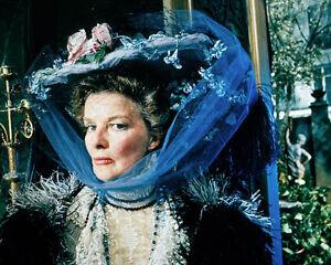 Katharine-Hepburn-The-Madwoman-DI-CHAILLOT-1043878-8X10-FOTO-o-poster