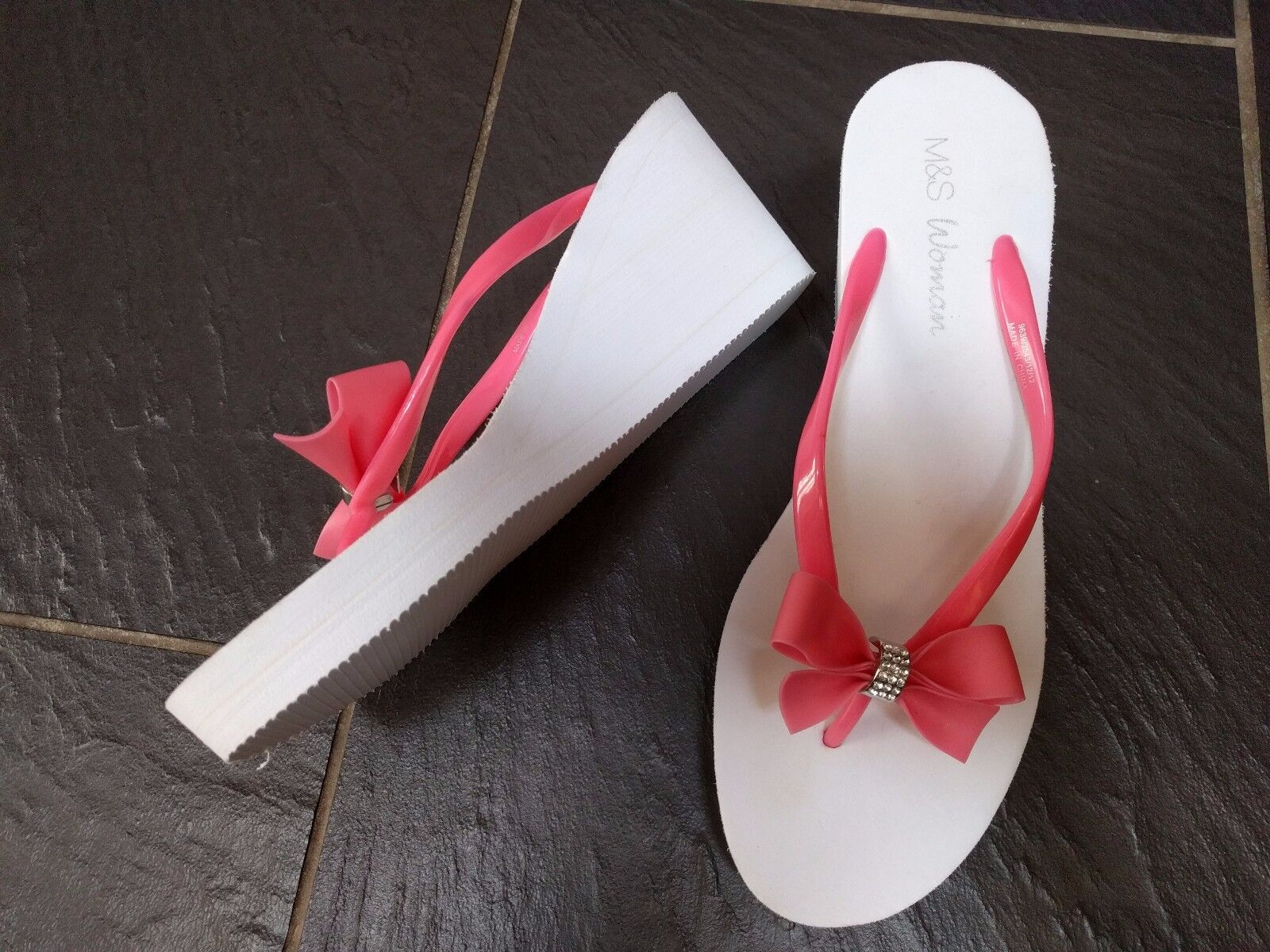 M&S PINK DIAMANTE WHITE SIZE WEDGE SANDALS FLIP FLOPS SIZE WHITE 7-8 6b953b