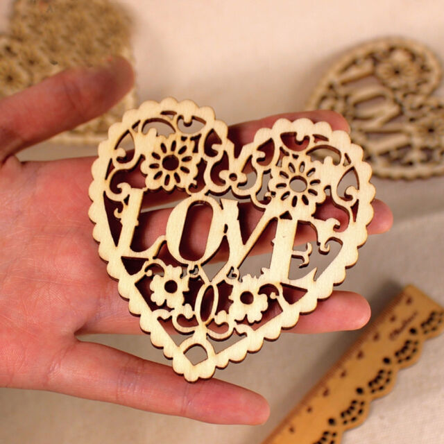 1X Hollow Out Heart Wood Color Hollow Wooden Goods Heart Wooden Shapes Craft DIY