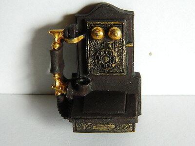 (m9.1) 1/12th Scala Casa Delle Bambole Classico Resina Muro Appeso Telefono (non Funzionante)-