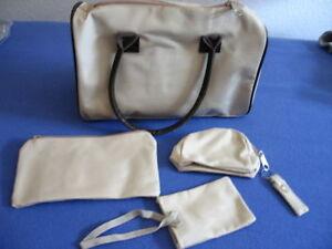 Handtasche (31x 21x13 cm) mit 3 kleinen Täschchen (Beutel)