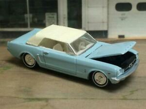 Pony-Car-1965-65-Ford-Mustang-V-8-Convertible-1-64-Scale-Limited-Edition-ZZ6