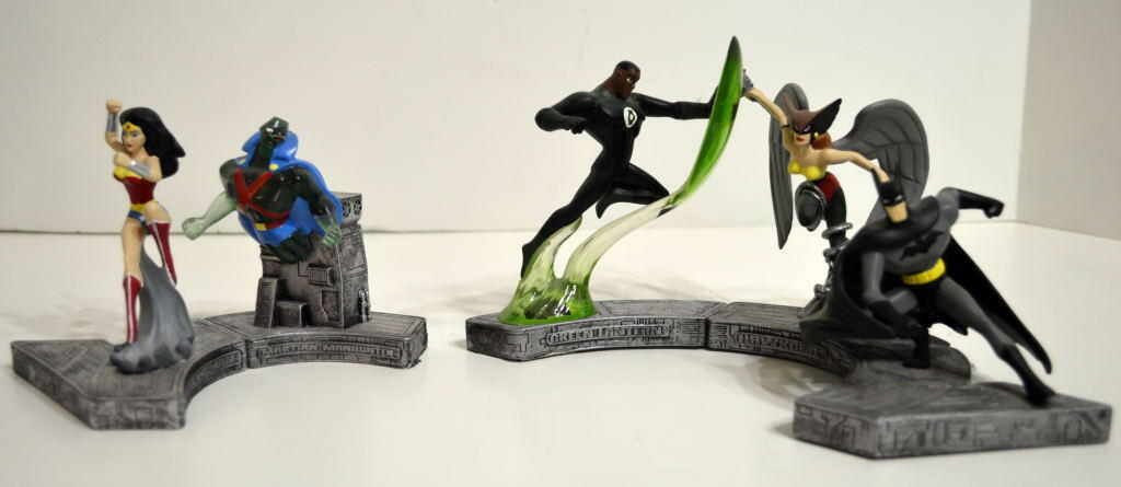 5 Justice League/Cartoon Network Cold Cast FIGURINE Wonder Woman Hawkgirl Batman