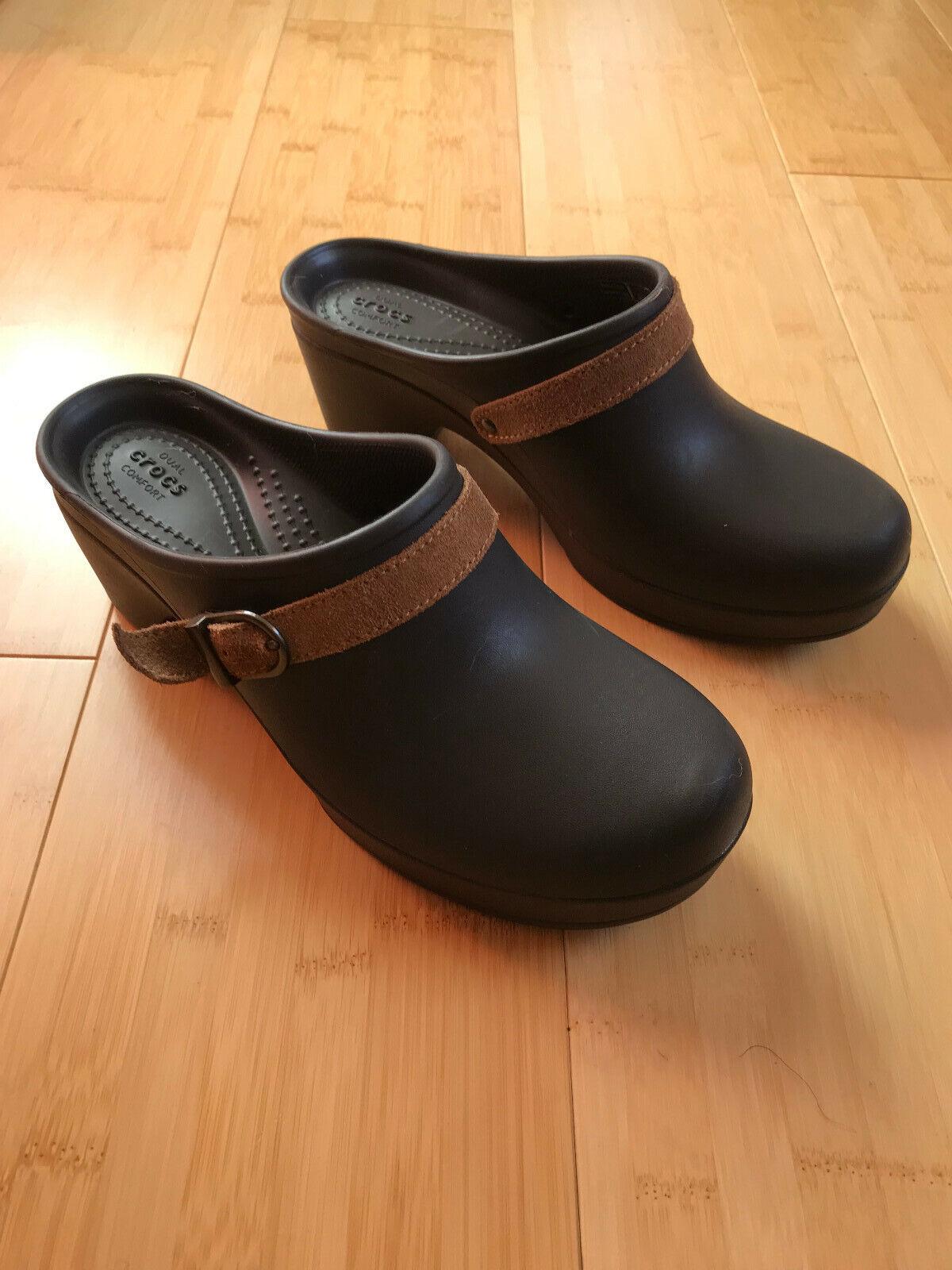 Crocs Womens Sarah Dual Comfort Clogs Size 7 Brown Slip On Mule w/ Buckle Strap