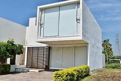 Casa Azul Marino C3