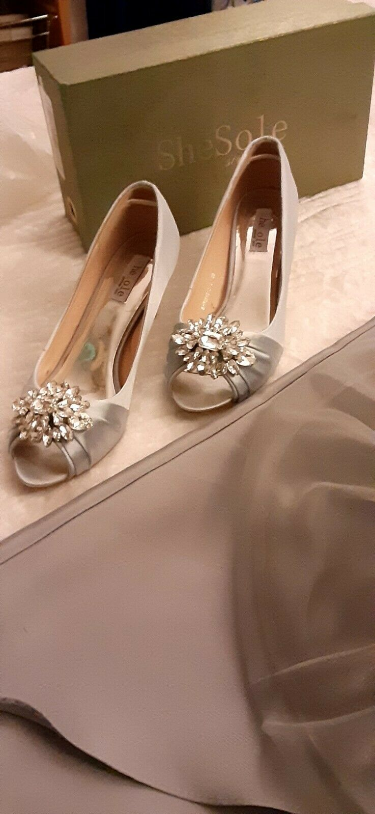 Open Toe Pump Shoes Color Silver Grey Second Hand Size 8