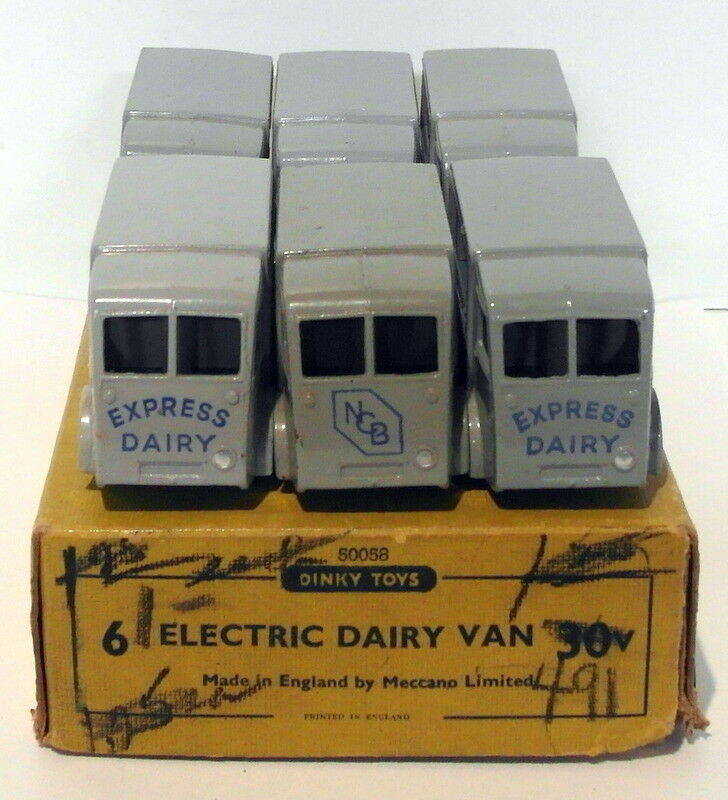 Vintage Dinky 30V - Electric Dairy Van Set Of 6 - gris