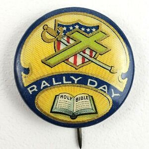 Vintage-Rally-Day-Holy-Bible-Pinback-Button