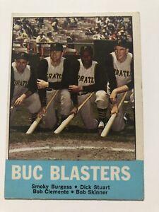 1963-Topps-18-BUC-BLASTERS-Clemente-Burgess-Stuart-Skinner-PA-Pirates