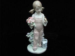 LLadro-034-Spring-034-Kinderfruehling-mit-Blumen-und-Vogel