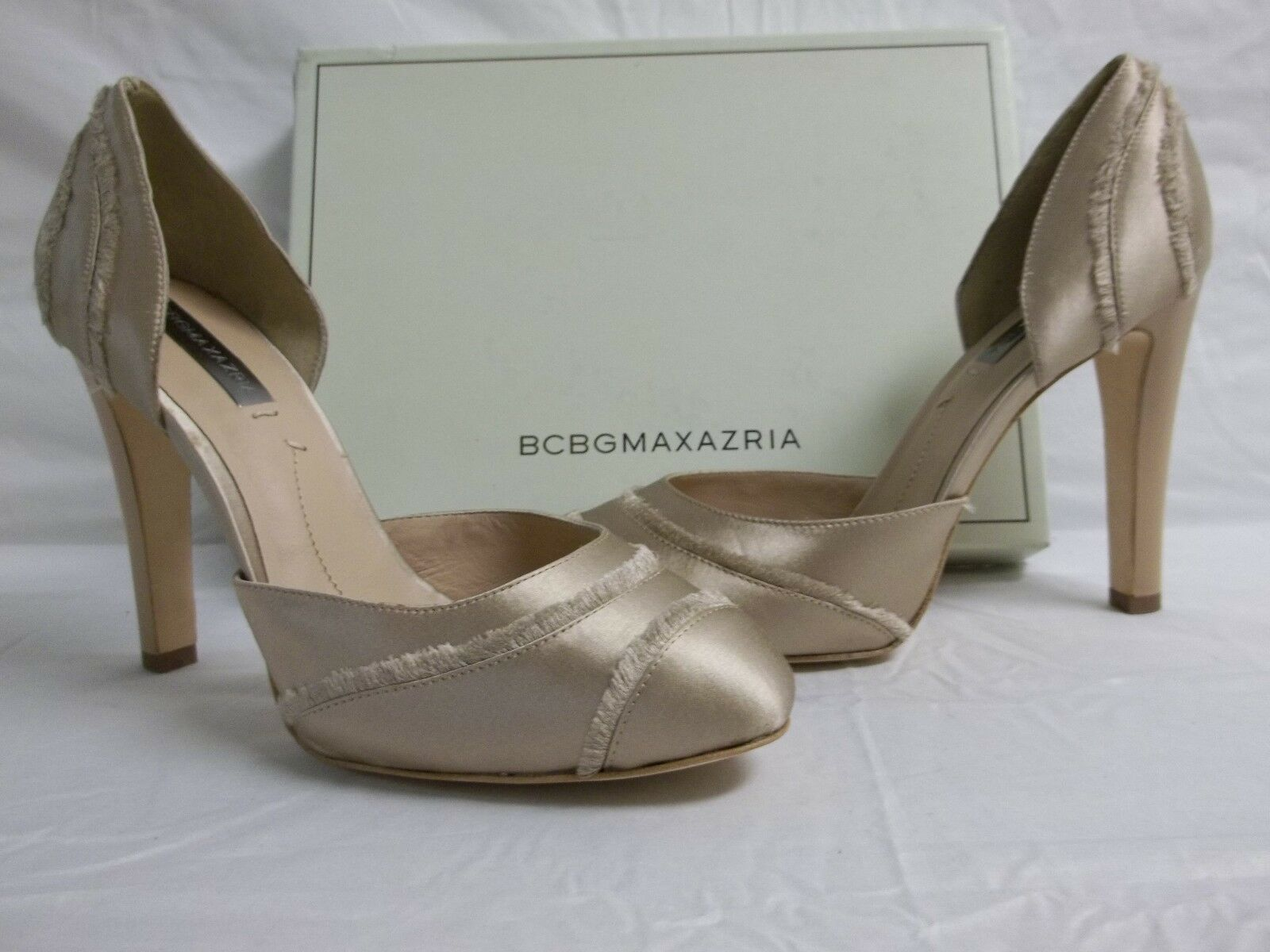 BCBG Max Azria Größe 9 M Amaris Blush Satin Pumps NEU Damenschuhe Schuhes