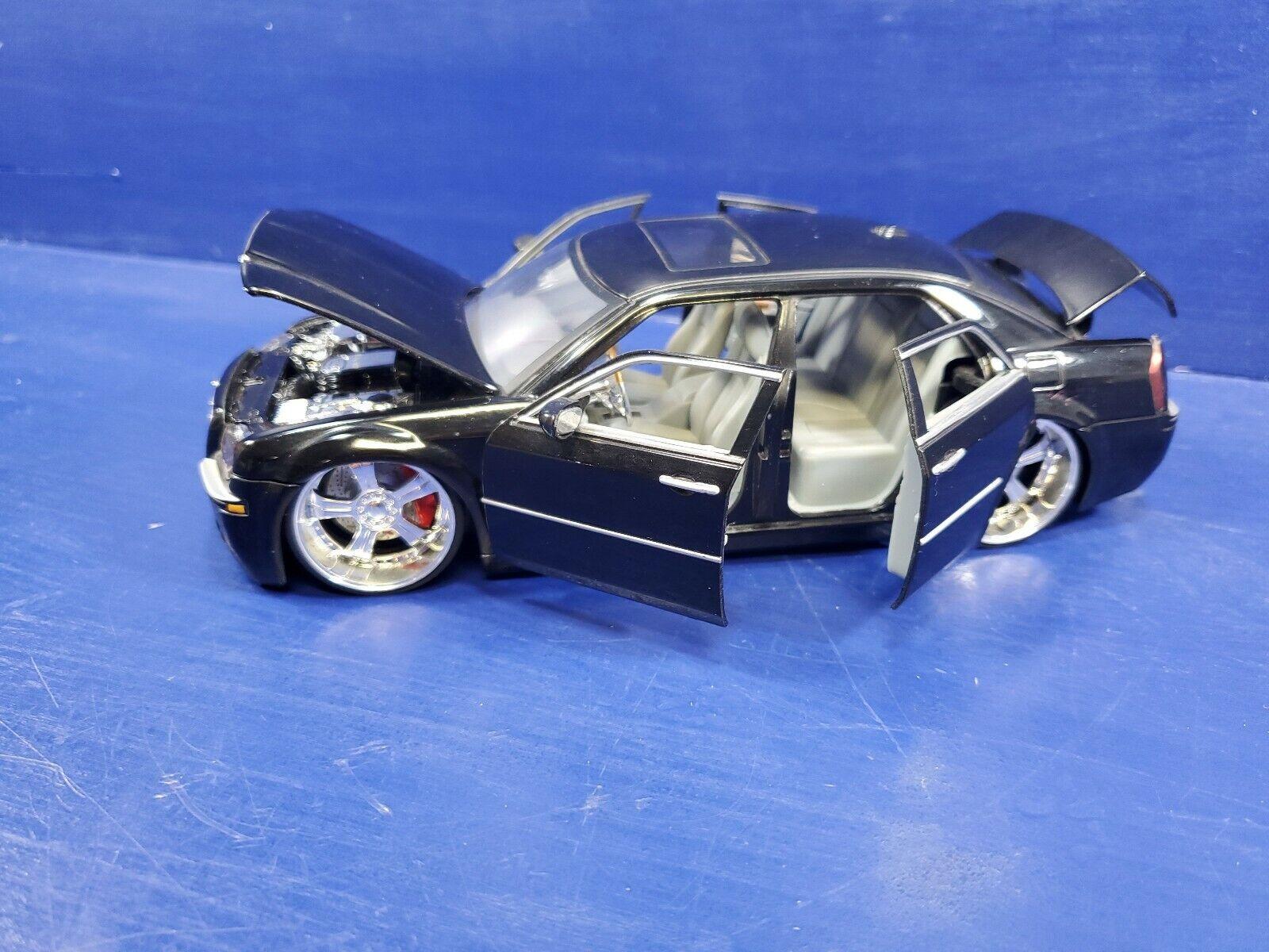 Jada Escala 2005 Chrysler 300 Hemi 1 24 Usado Sin Caja 2005 ya no hecho