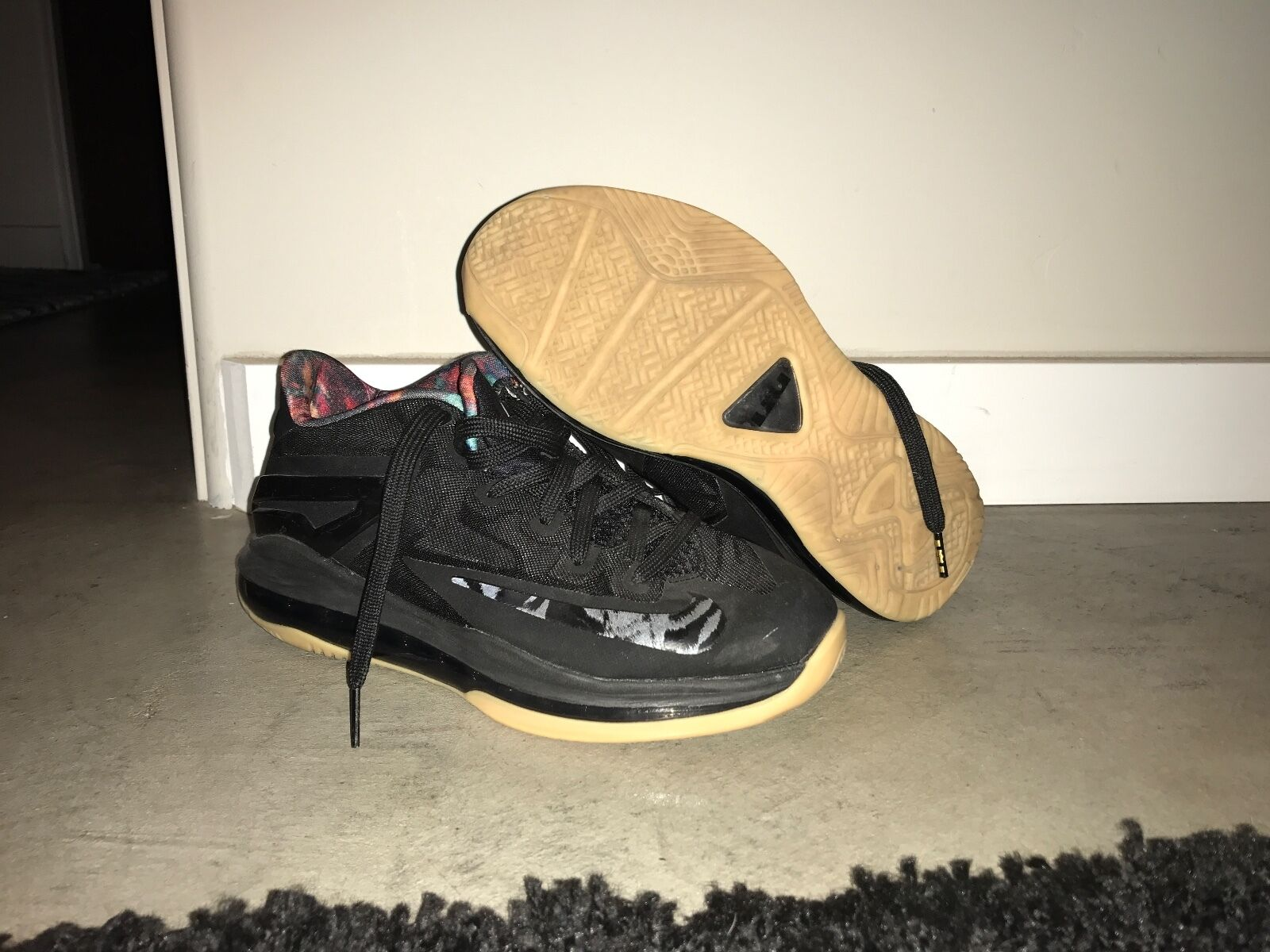 Lebron 11 Low Black Gum 2014 Release. 9/10 Condition