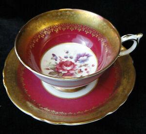Vintage-PARAGON-A4027-Bone-China-TEA-CUP-amp-SAUCER-Heavy-Gold-FLORAL-CENTER