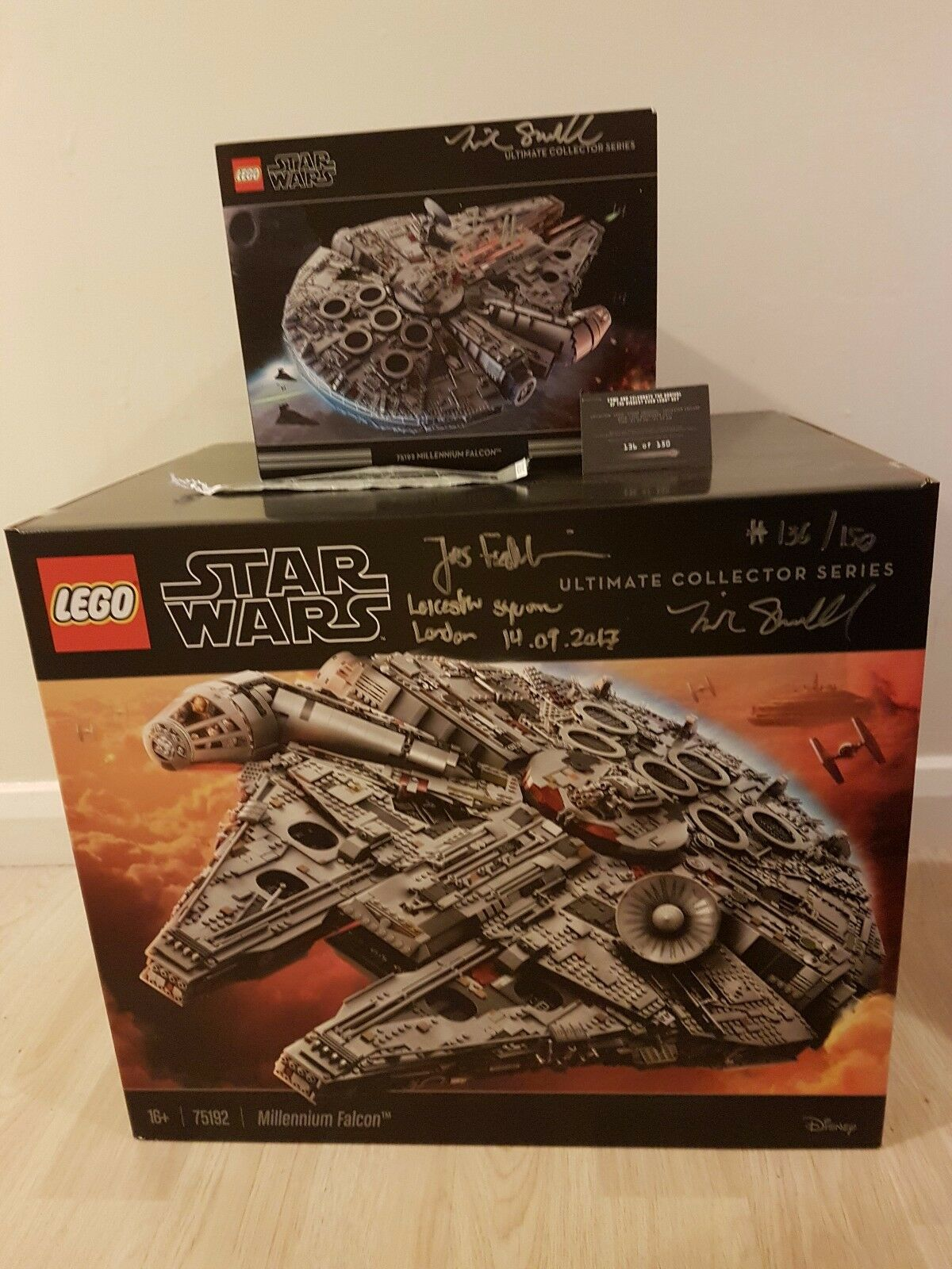 SIGNED Lego UCS Millennium Falcon 75192 sealed box No 136 150 + Signed Extras
